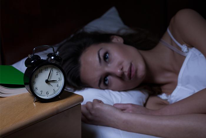 """Entrevista al Prof. Liu Zheng en el diario """"El País"""": ¿Es la melatonina mano de santo contra el insomnio? Los expertos opinan."""